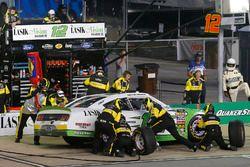Austin Cindric, Team Penske, Ford Mustang Lasik Vision Institute pit stop