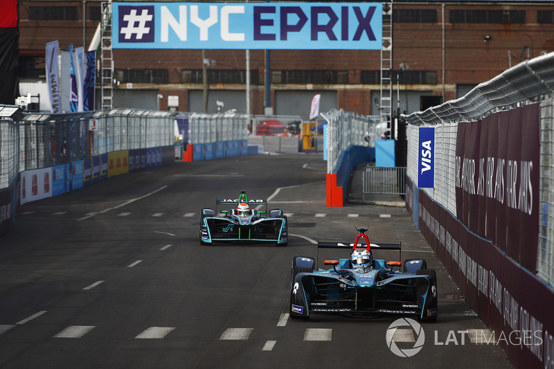 Luca Filippi, NIO Formula E Team, Nelson Piquet Jr., Jaguar Racing