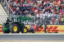 Sebastian Vettel; Ferrari SF71H choca y queda fuera de la carrera