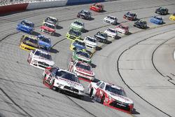 Joey Logano, Team Penske, Discount Tire Ford Mustang Christopher Bell, Joe Gibbs Racing, Ruud Toyota