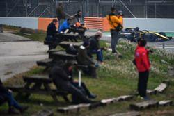 Fans watch Nico Hulkenberg, Renault Sport F1 Team RS18