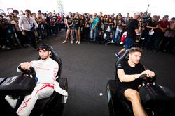 Хосе Мария Лопес, Dragon Racing, и Эдоардо Мортара, Venturi Formula E Team