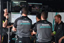 Jaguar Racing en el garaje
