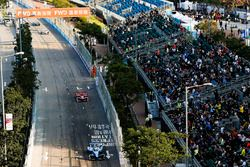 Sébastien Buemi, Renault e.Dams, leads Jerome D'Ambrosio, Dragon Racing