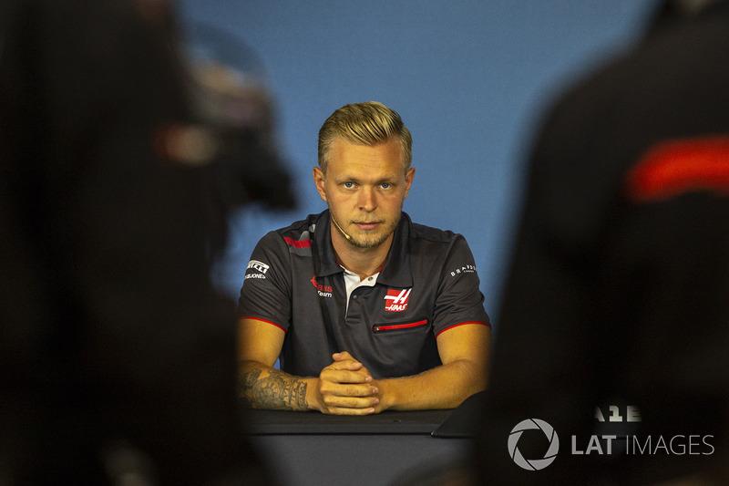 Kevin Magnussen, Haas F1 lors de la conférence de presse
