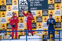 Podium: race winner Alain Prost, second place Nigel Mansell, third place Alessadnro Nannini