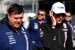 Esteban Ocon, Force India, lors de la reconnaissance de piste