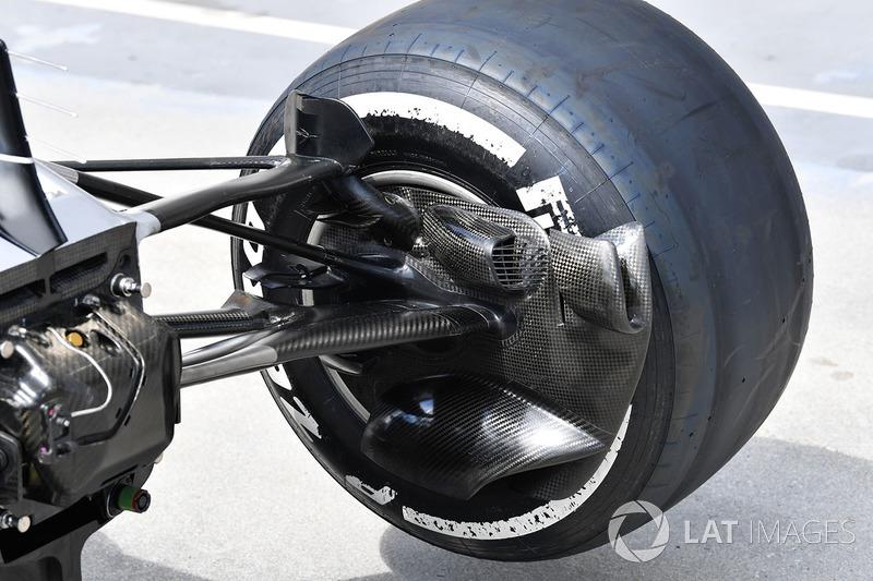 Vue détaillée de l'écope de frein avant de la Mercedes-AMG F1 W09