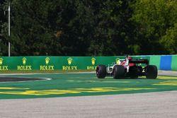 Marcus Ericsson, Sauber C37 runs wide on lap one