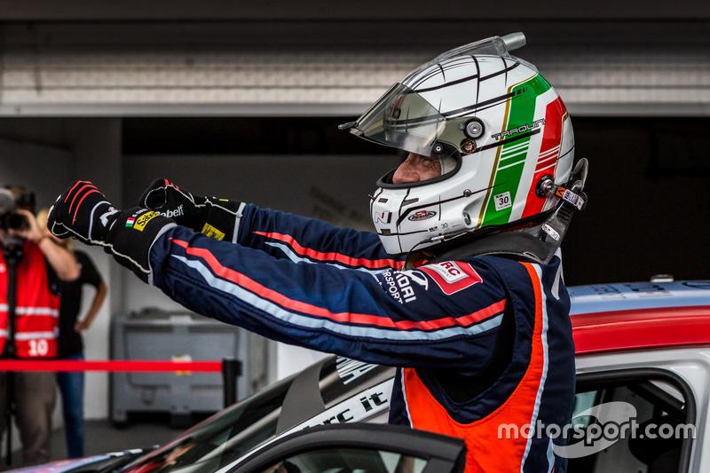 Il vincitore della gara Gabriele Tarquini, BRC Racing Team Hyundai i30 N TCR