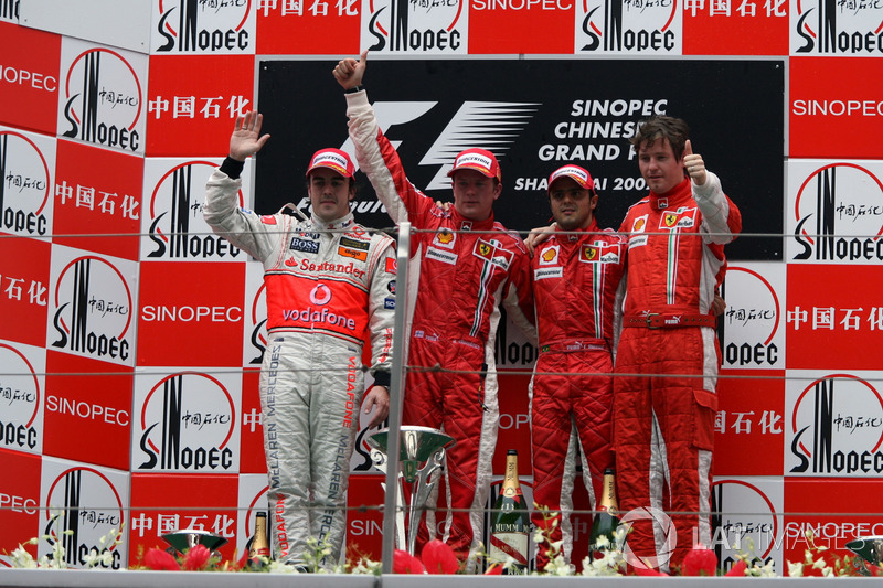 50- Fernando Alonso, 2º en el GP de China 2007 con McLaren
