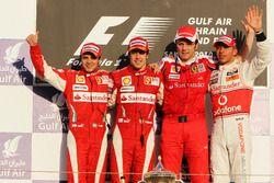 Podium : le second Felipe Massa, Ferrari, le vainqueur Fernando Alonso, Ferrari, Stefano Domenicali, team principal Ferrari, et le troisième Lewis Hamilton