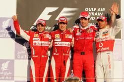 Podium: second place Felipe Massa, Ferrari, Race winner Fernando Alonso, Ferrari, Stefano Domenicali, Ferrari General Director, third place Lewis Hamilton, McLaren