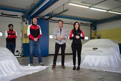 Raimondo Amadio, AB Racing / SVC The Motorsport Group, Giacomo Cappella, Autocentri Balduina, e Valentina Albanese, Porsche Italia si preparano a svelare le Porsche 911 GT3 Cup del team AB Racing