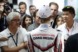 #2 Porsche Team Porsche 919 Hybrid: Brendon Hartley