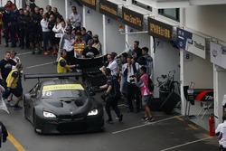 Augusto Farfus, BMW Team Schnitzer, BMW M6 GT3 en pits