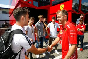 Joey Alders con Sebastian Vettel
