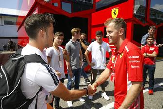 Joey Alders met Sebastian Vettel