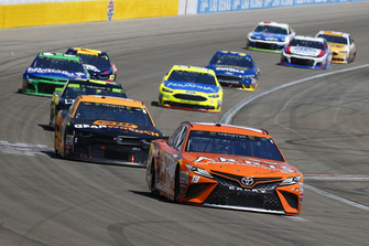 Daniel Suarez, Joe Gibbs Racing, Toyota Camry ARRIS e Jamie McMurray, Chip Ganassi Racing, Chevrolet Camaro GEARWRENCH