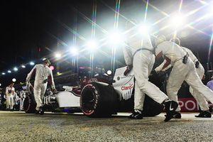 Marcus Ericsson, Sauber C37, in griglia di partenza