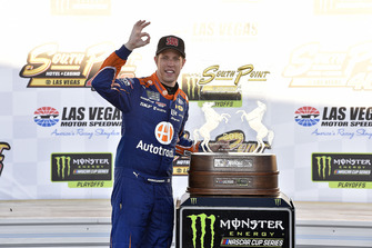 Il vincitore Brad Keselowski, Team Penske, Ford Fusion Autotrader