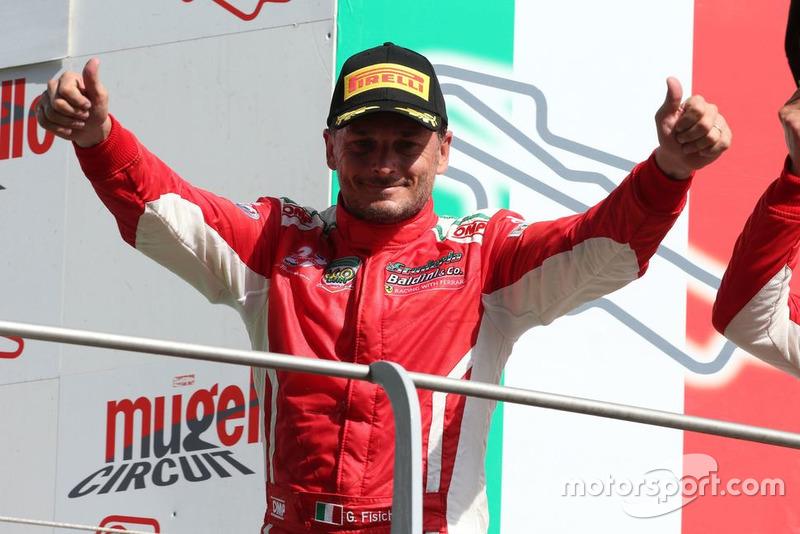 Giancarlo Fisichella, Scuderia Baldini 27, sul podio