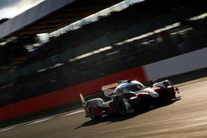Segundo lugar #7 Toyota Gazoo Racing Toyota TS050: Mike Conway, Kamui Kobayashi, Jose Maria Lopez