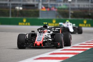 Kevin Magnussen, Haas F1 Team VF-18 et Sergey Sirotkin, Williams FW41