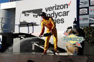 Ryan Hunter-Reay, Andretti Autosport Honda, champán, podio