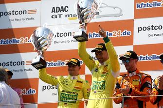 Podium: Winnaars #48 HTP Motorsport Mercedes-AMG GT3: Indy Dontje, Maximilian Buhk