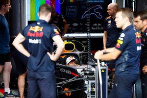 Pierre Gasly, Toro Rosso, nell'abitacolo di una Red Bull Racing RB14