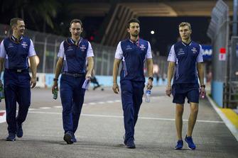 Sergey Sirotkin, Williams Racing fait le tour du circuit en marchant