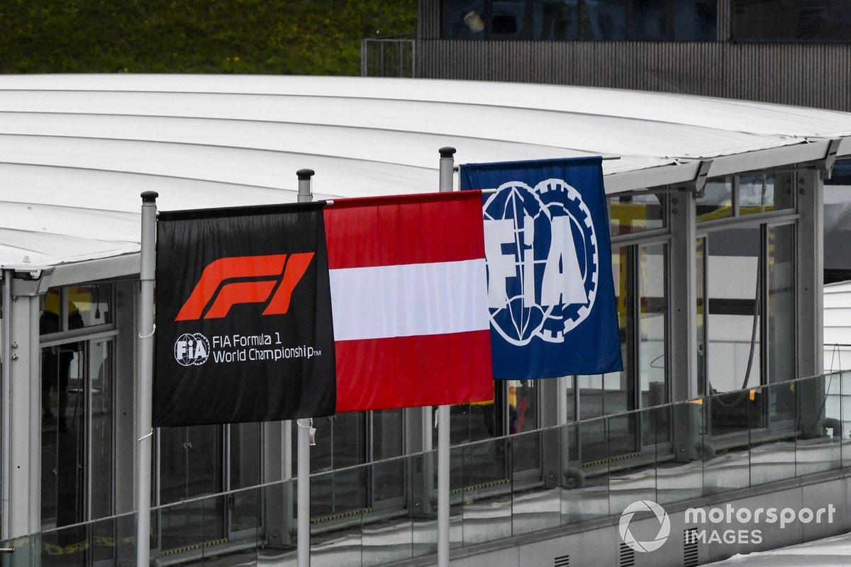 F1, FIA y banderas austriacas