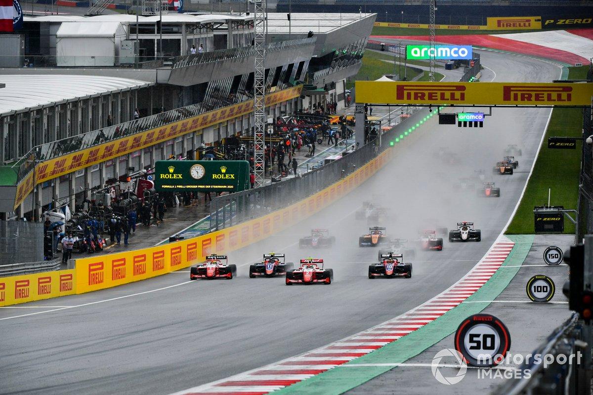 Frederik Vesti, Prema Racing, Devlin DeFrancesco, Trident, Logan Sargeant, Prema Racing e Oscar Piastri, Prema Racing alla partenza di gara1