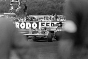 Henri Pescarolo, March 711 Ford, Jackie Stewart, Tyrrell 003 Ford