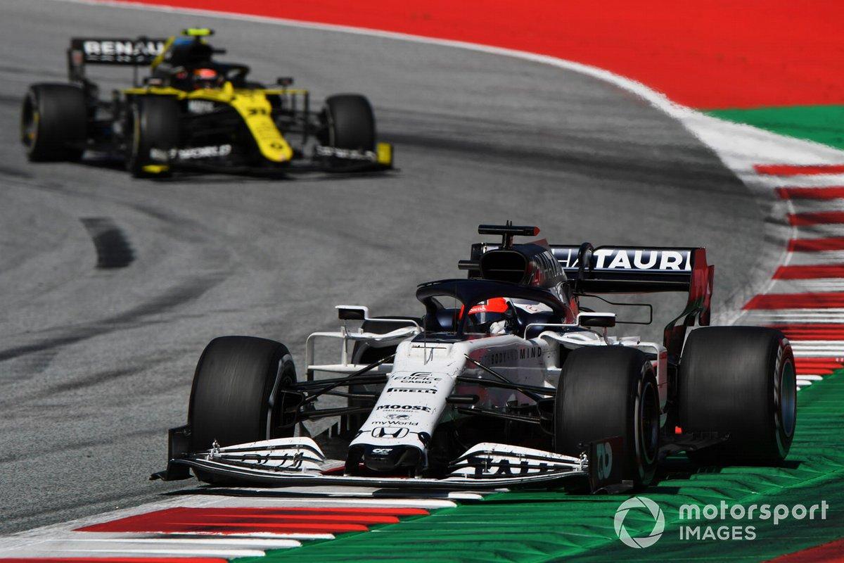 Daniil Kvyat, AlphaTauri AT01, Esteban Ocon, Renault F1 Team R.S.20