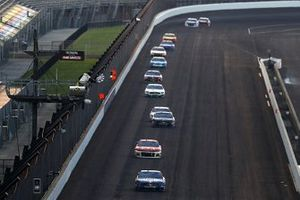 Kevin Harvick, Stewart-Haas Racing, Ford Mustang takes the checkered flag