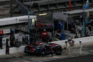#24 BMW Team RLL BMW M8 GTE, GTLM: John Edwards, Jesse Krohn, Pit Stop
