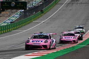 Jaxon Evans, BWT Lechner Racing leads Dylan Pereira, BWT Lechner Racing