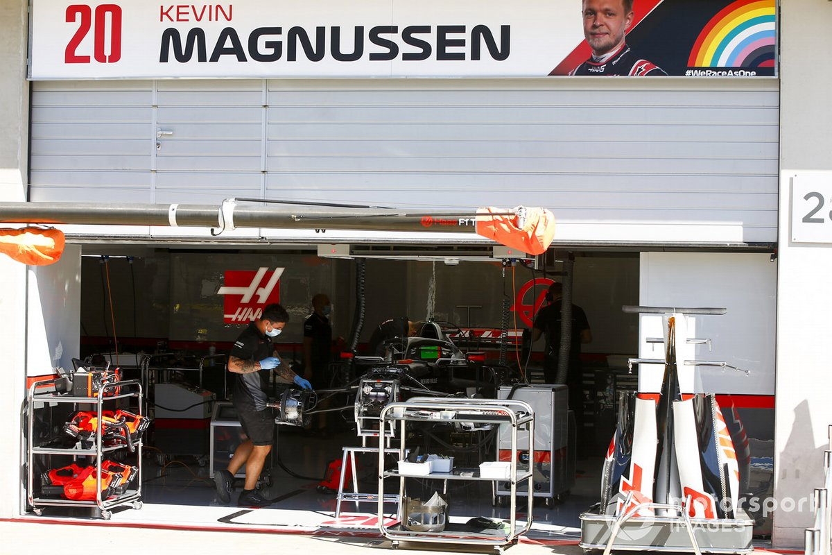 Garage of Kevin Magnussen, Haas VF-20