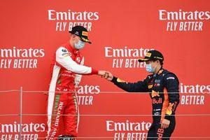 Mick Schumacher, Prema Racing et le vainqueur Yuki Tsunoda, Carlin fêtent sur le podium