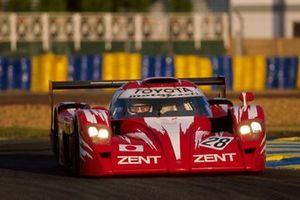 #28 Toyota GT-One TS020: Martin Brundle, Eric Helary, Emmanuel Collard