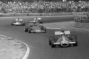 Tim Schenken, Brabham BT33, Emerson Fittipaldi, Lotus 72D