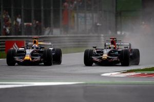 David Coulthard, Red Bull Racing RB4 Renault, Sebastien Bourdais, Toro Rosso STR03 Ferrari