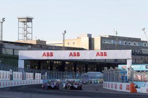 Oliver Rowland, Nissan e.Dams, Nissan IMO2 ldavanti a tutti alla partenza Robin Frijns, Envision Virgin Racing, Audi e-tron FE06