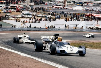 Mike Hailwood, Surtees TS9B Ford, Peter Revson, McLaren M19A Ford