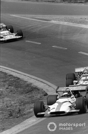 Jackie Oliver, BRM P153, Ronnie Peterson, March 701 Ford y Henri Pescarolo, Matra MS120