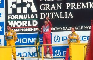 Ayrton Senna, McLaren, Martin Brundle, Benetton, Michael Schumacher, Benetton