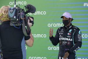 Pole sitter Lewis Hamilton, Mercedes-AMG Petronas F1, is interviewed