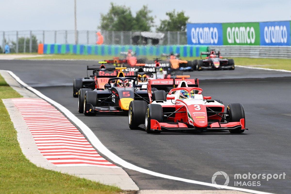 Logan Sargeant, Prema Racing davanti a Liam Lawson, Hitech Grand Prix